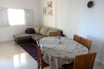 Apartament A-6112-a - Apartamenty Uvala Tvrdni Dolac (Hvar) - 6112