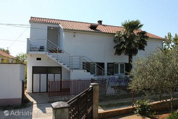 Property Sukošan (Zadar) - Accommodation 6124 - Apartments with pebble beach.