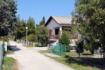 Property Sabunike (Zadar) - Accommodation 6127 - Apartments with sandy beach.