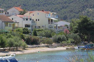 Property Grebaštica (Šibenik) - Accommodation 6135 - Apartments near sea with pebble beach.