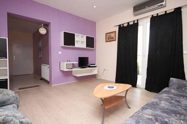 Pakoštane, Pokój dzienny w zakwaterowaniu typu apartment, dostupna klima, dopusteni kucni ljubimci i WIFI.
