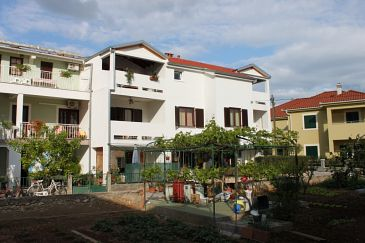 Property Turanj (Biograd) - Accommodation 6177 - Apartments near sea with pebble beach.