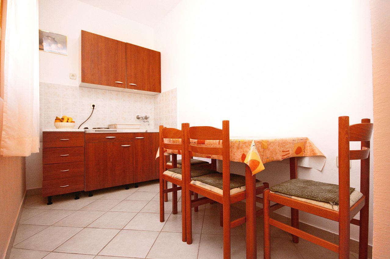 Apartmány s parkoviskom v meste Rovanjska - 6209
