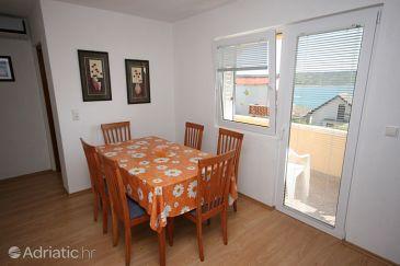Rtina - Miočići, Dining room u smještaju tipa apartment, dostupna klima i dopusteni kucni ljubimci.
