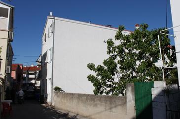 Obiekt Biograd na Moru (Biograd) - Zakwaterowanie 6222 - Apartamenty blisko morza ze żwirową plażą.