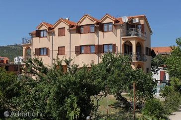 Property Tribunj (Vodice) - Accommodation 6223 - Apartments with pebble beach.