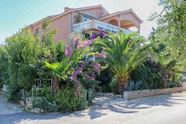 Property Biograd na Moru (Biograd) - Accommodation 6228 - Apartments with pebble beach.