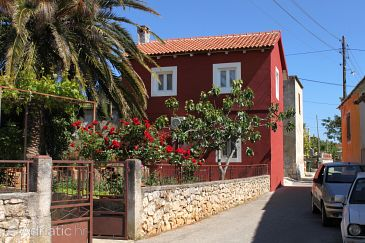 Property Lukoran (Ugljan) - Accommodation 6234 - Vacation Rentals with pebble beach.