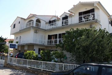 Property Vodice (Vodice) - Accommodation 6260 - Apartments and Rooms with pebble beach.