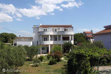 Property Pirovac (Šibenik) - Accommodation 6276 - Apartments with pebble beach.