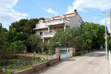 Pirovac, Šibenik, Property 6280 - Apartments blizu mora with pebble beach.