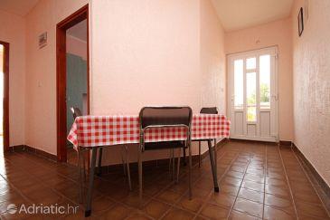 Stara Novalja, Dining room u smještaju tipa apartment, dostupna klima, dopusteni kucni ljubimci i WIFI.