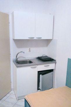 Stara Novalja, Kitchen u smještaju tipa studio-apartment, dopusteni kucni ljubimci i WIFI.