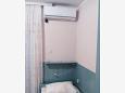 Stara Novalja, Bedroom u smještaju tipa studio-apartment, dostupna klima, dopusteni kucni ljubimci i WIFI.