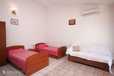 Novalja, Living room u smještaju tipa apartment, dostupna klima.