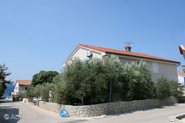 Property Mandre (Pag) - Accommodation 6373 - Apartments near sea with pebble beach.