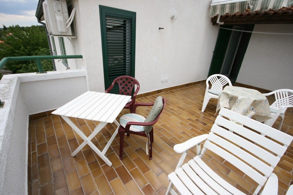 Apartmány s parkoviskom v meste Turanj - 6445