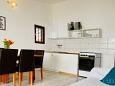 Pirovac, Kitchen u smještaju tipa apartment, dopusteni kucni ljubimci i WIFI.