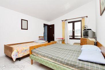 Room S-6447-b - Apartments and Rooms Pirovac (Šibenik) - 6447