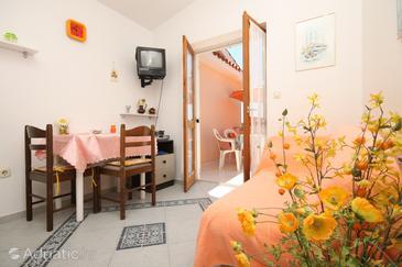Novalja, Dining room u smještaju tipa apartment, dopusteni kucni ljubimci i WIFI.