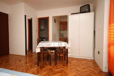 Novalja, Dining room u smještaju tipa studio-apartment, dopusteni kucni ljubimci.