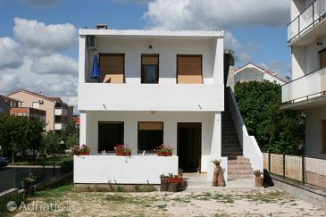Property Sukošan (Zadar) - Accommodation 6540 - Apartments near sea with pebble beach.