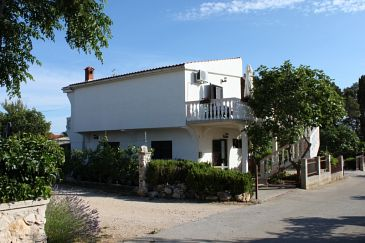 Property Vrsi - Mulo (Zadar) - Accommodation 6547 - Apartments with pebble beach.