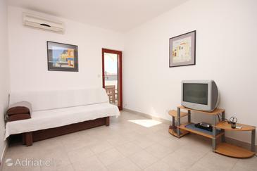 Maslenica, Living room u smještaju tipa apartment, dostupna klima i WIFI.