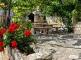 Courtyard Mimice (Omiš) - Accommodation 656 - Apartments near sea with pebble beach.