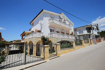 Property Maslenica (Novigrad) - Accommodation 6572 - Apartments with pebble beach.