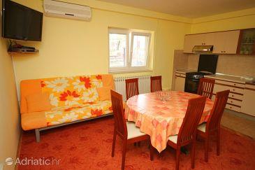 Apartment A-6577-b - Apartments Starigrad (Paklenica) - 6577