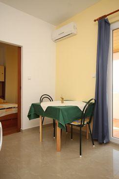 Apartament A-6587-b - Apartamenty Starigrad (Paklenica) - 6587