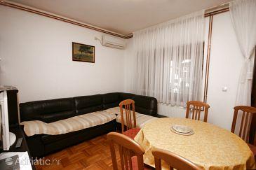 Apartment A-6605-a - Apartments Starigrad (Paklenica) - 6605