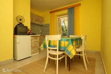 Apartma A-6623-b - Apartmaji Starigrad (Paklenica) - 6623