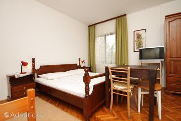 Room S-6627-a - Apartments and Rooms Starigrad (Paklenica) - 6627