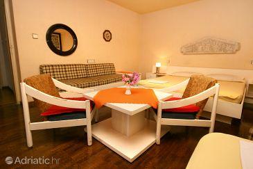 Room S-6644-b - Apartments and Rooms Makarska (Makarska) - 6644
