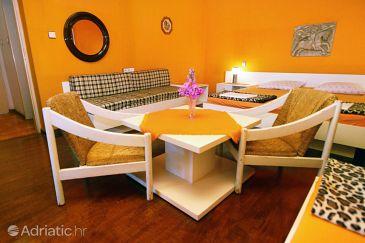 Room S-6644-d - Apartments and Rooms Makarska (Makarska) - 6644