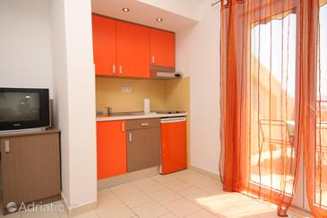 Studio flat AS-6657-a - Apartments Tučepi (Makarska) - 6657