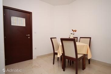 Apartment A-6665-c - Apartments Makarska (Makarska) - 6665