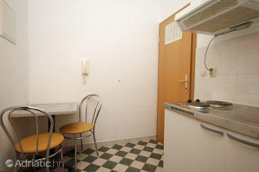 Apartment A-6667-c - Apartments Makarska (Makarska) - 6667