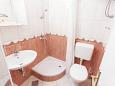 Bathroom 1 - Apartment A-6671-a - Apartments and Rooms Podgora (Makarska) - 6671