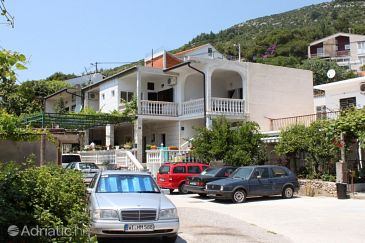 Property Zaostrog (Makarska) - Accommodation 6678 - Apartments near sea with rocky beach.