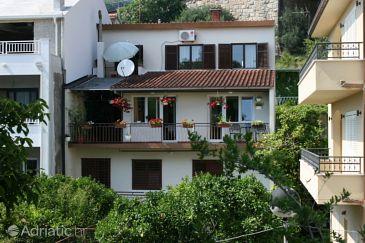 Property Podgora (Makarska) - Accommodation 6680 - Apartments near sea with pebble beach.