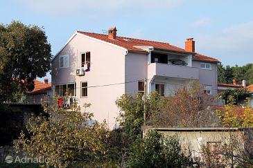Property Zadar (Zadar) - Accommodation 669 - Apartments near sea with sandy beach.