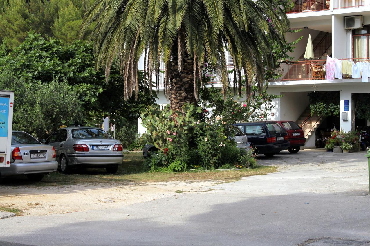 Štúdio s parkoviskom v meste Tučepi - 6695