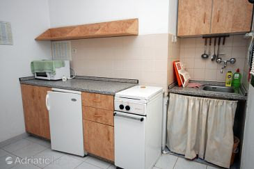 Živogošće - Blato, Kitchen u smještaju tipa studio-apartment, WIFI.