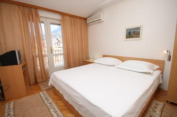 Room S-6714-c - Apartments and Rooms Makarska (Makarska) - 6714