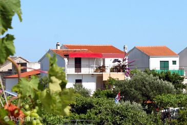 Property Sućuraj (Hvar) - Accommodation 6732 - Apartments near sea with pebble beach.