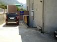 Podaca, Makarska, Parking lot 6736 - Apartments with pebble beach.