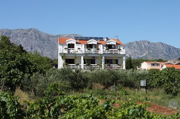Property Sućuraj (Hvar) - Accommodation 6741 - Apartments near sea with pebble beach.